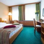 2-bed-double-room